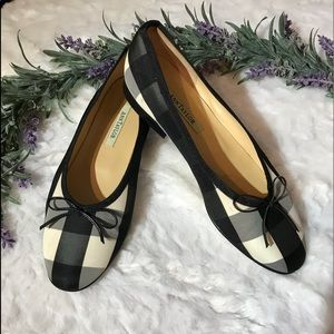 Ann Taylor made in Spain flats NWOT